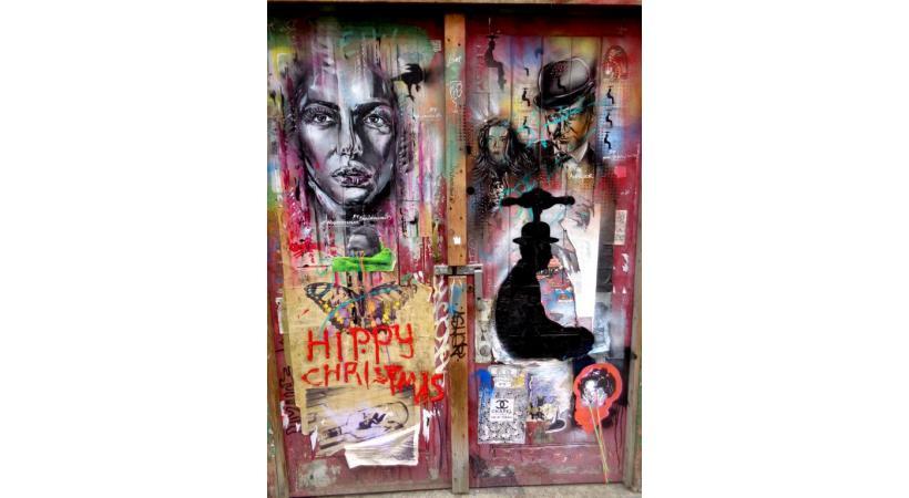 Une rue de la capitale britannique qui a gagné des couleurs éphémères. Certains artistes se sont spécialisés dans l'illustration animalière. Certaines œuvres se cachent dans des arrière-cours.