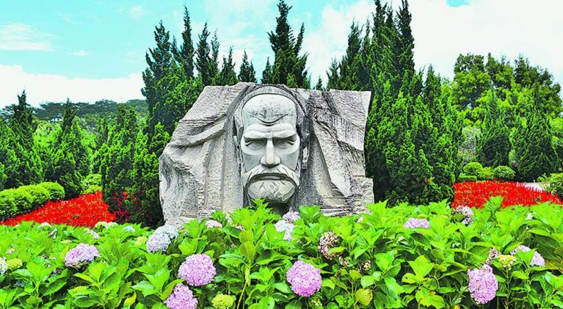 Le parc Yersin à Dalat. dr