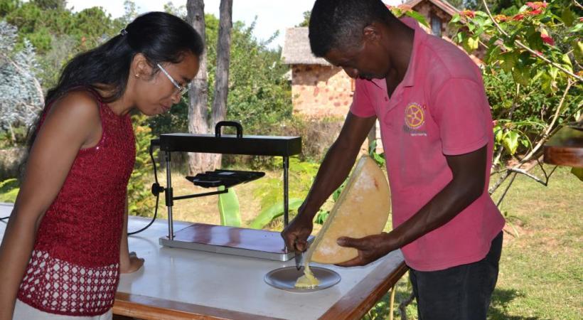 ONTM La raclette ? Un régal pour les Malgaches. ALAIN BOSSU