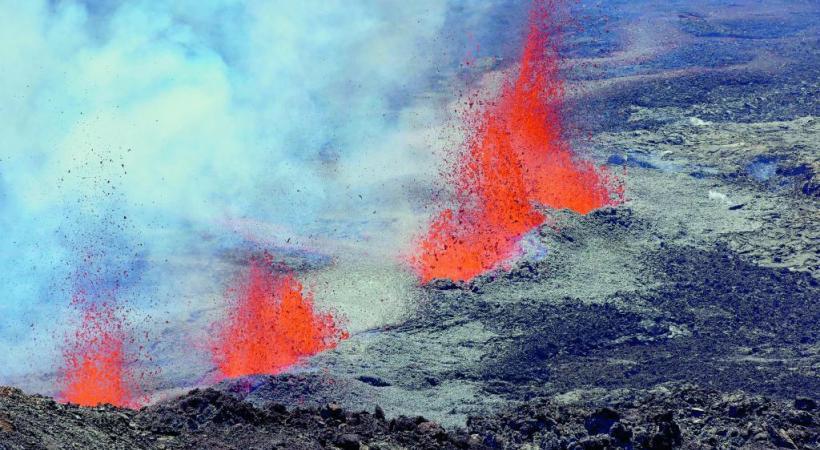 le Piton de la Fournaise en éruption. IRT/SERGE GELABERT