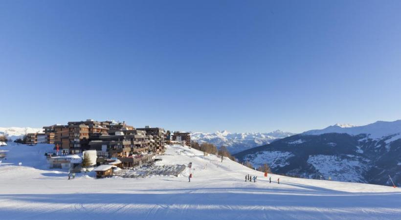 La station offre un panorama exceptionnel sur le Val d'Hérens.