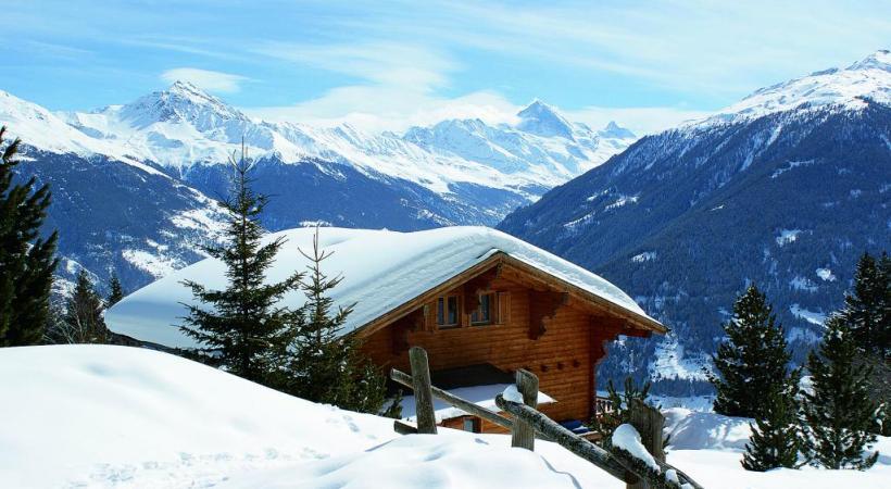 La station offre un panorama exceptionnel sur le Val d'Hérens