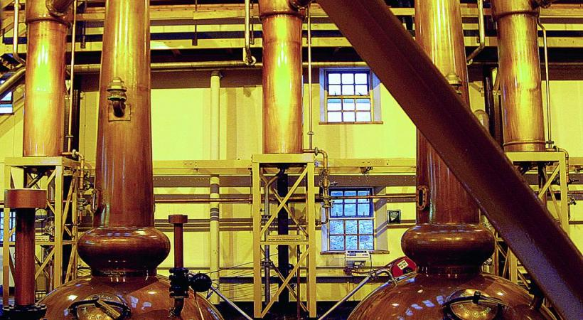 La plupart des distilleries sont ouvertes aux visiteurs et aux dégustations.