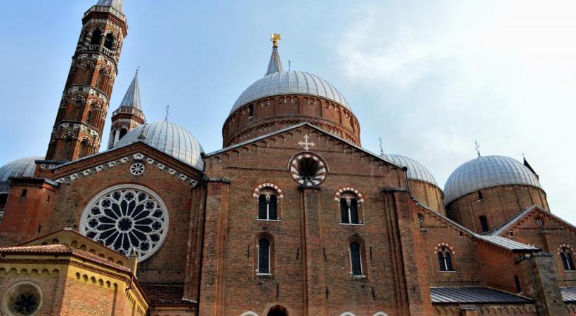 La basilique Saint-Antoine est la deuxième plus grande église de la ville et la plus visitée. GETTY IMAGES