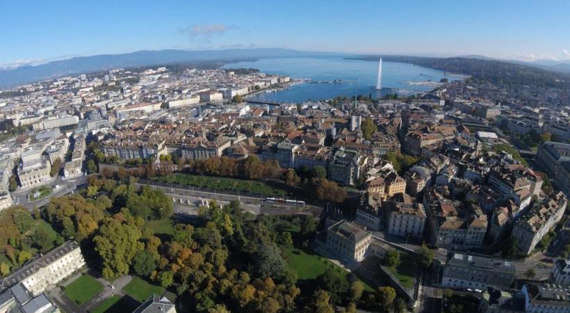 A Genève, des milliers de sans-papiers s'apprêtent à obtenir le précieux sésame. DR
