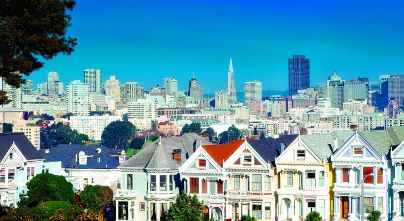 Contraste entre les maisons victoriennes et les buldings. DR La mythique prison d'Alcatraz se laisse découvrir en arrière-plan.