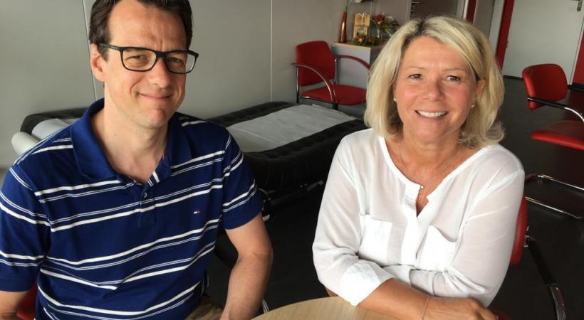 Adrian Fluri, responsable de la communication de Transfusion interrégionale CRS et Dominique Naef, responsable du Centre de contacts donneurs VD . dr