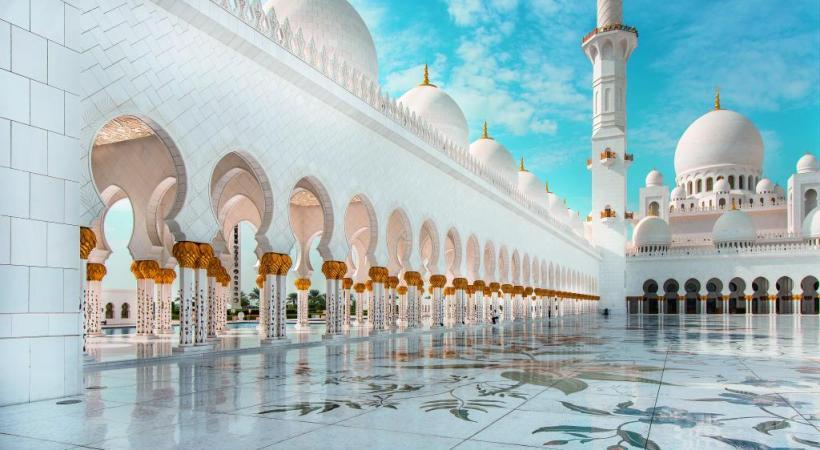 La Grande Mosquée Cheikh Zayed est une merveille architecturale. DR Abu Dhabi, un émirat au cœur du désert. DR L'esprit oriental est encore intact dans l'émirat. DR
