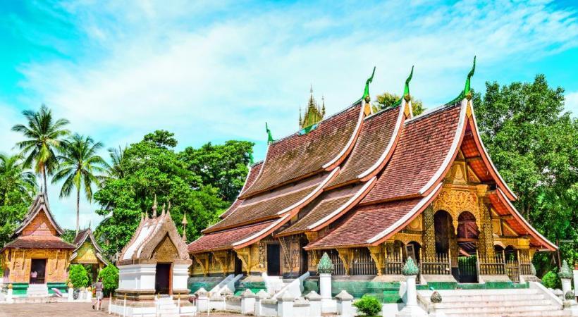 L'élégant temple d'or Wat Xieng Thong, à Luang Prabang, au Laos.