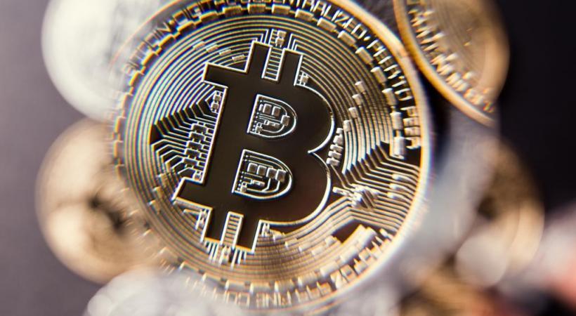 Toutes les transactions sont consultables sur un seul et même registre inviolable et ouvert à tous – la blockchain. dr