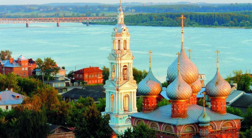 Saint-Pétersbourg (ex-Leningrad) est surnommée la Venise du Nord en raison de sa ressemblance, par endroits, avec la sublime italienne. ISTOCK L'Ermitage, à Saint-Pétersbourg, est l'un des plus anciens musées d'art au monde. FOTOLIA    Le métro de Moscou et ses luxueuses stations: de véritables œuvres d'art. DR La capitale Moscou concentre un tiers environ de l'économie du pays. ISTOCK