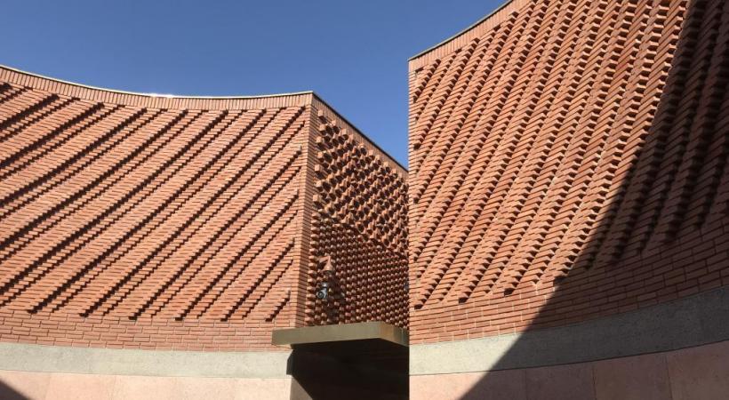 La cour du musée Yves Saint Laurent qui vient d'ouvrir ses portes.