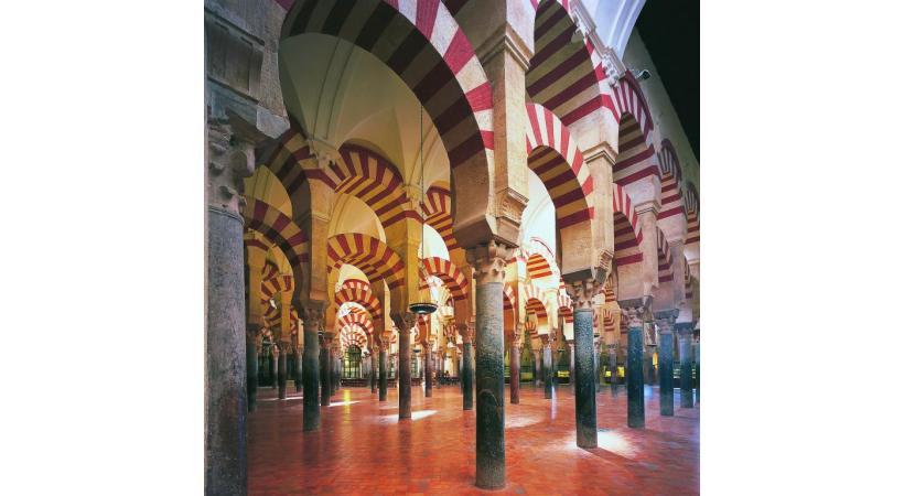La mosquée cathédrale de Cordoue compte 850 colonnes.