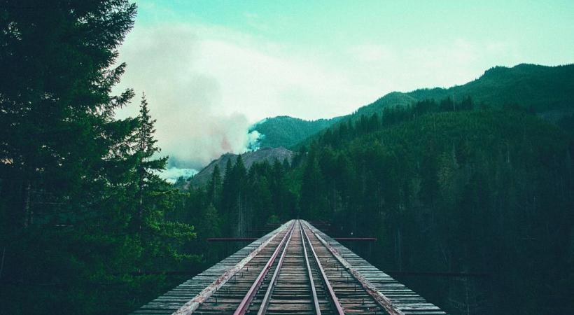 Prendre le temps de se recentrer, c'est la promesse d'un voyage en train.