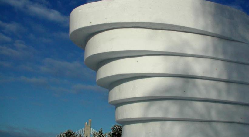 Yoko Ono a réalisé cette imposante structure de glace.