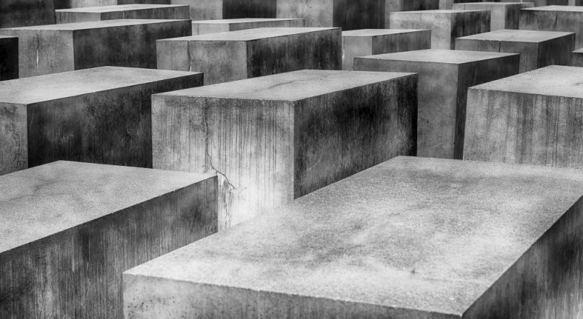 Le mémorial de l'Holocauste est formé  de milliers de blocs de pierre. PIXABAY