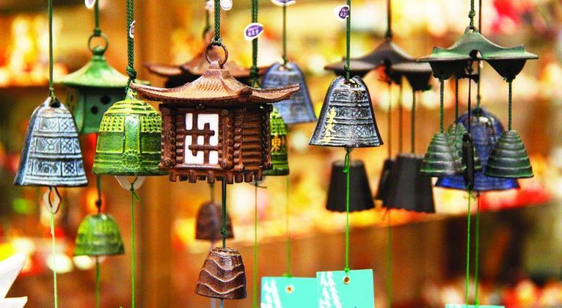 Les boutiques regorgent de souvenirs aux accents zen. PIXABAY