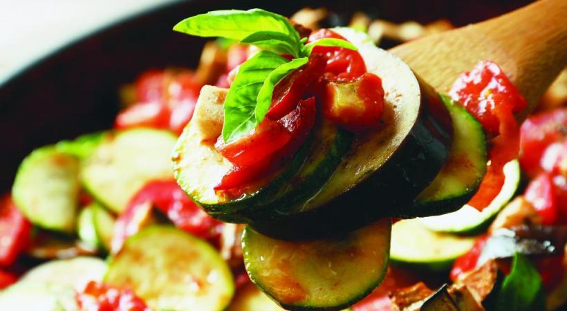 Les mille saveurs de la cuisine du soleil. 123RF/BELCHONOCK