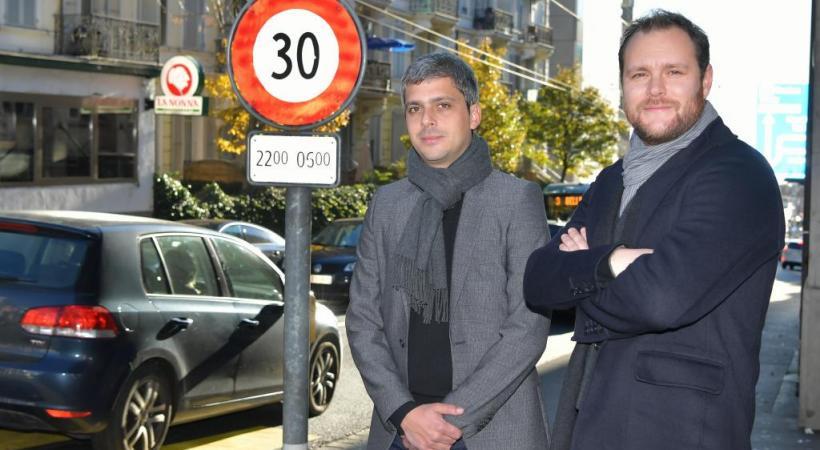 Louis Dana (à gauche) et Gregory Pache sont tous deux membres du collectif citoyen qui demande la multiplication des zones limitées à 30km/h. VERISSIMO