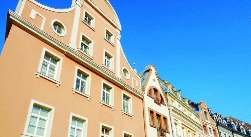 Tallin, la capitale de l'Estonie, avec sa forteresse et ses clochers gothiques. Jusqu'en 1918, elle s'appelait encore Réval.