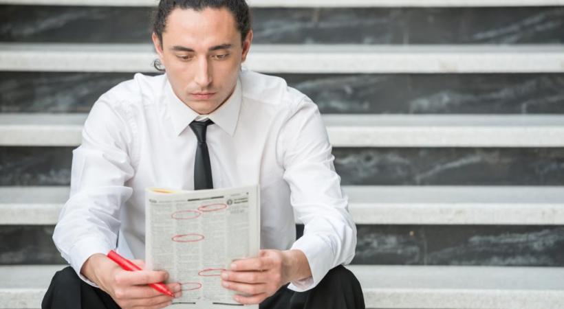 Chercher du travail pendant qu'on est au chômage? Pas toujours une bonne idée!  123RF
