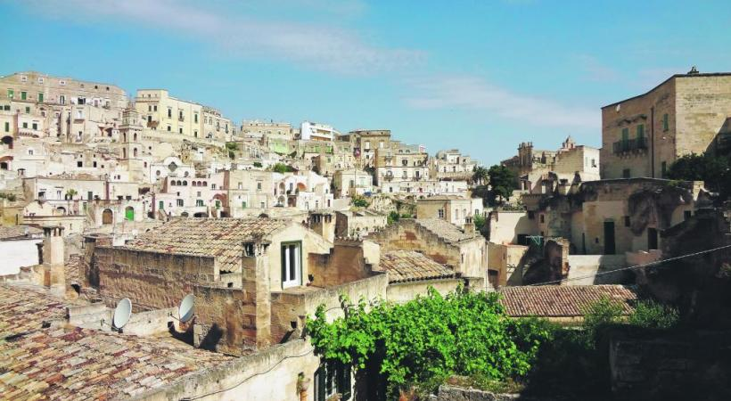 La ville du Basilicate tente de dissimuler tout ajout contemporain.