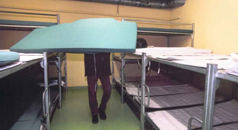 Les abris PC sont réquisitionnés pour accueillir des migrants.
