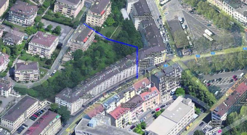 Toxicomanes et dealers profitent des escaliers discrets, qui relient la rue du Tunnel à Riant-Mont, pour faire leurs affaires.
