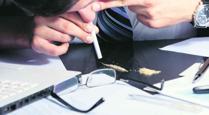 Faut-il laisser faire ces «cadres sur-stressés qu'un peu de coke détend»?