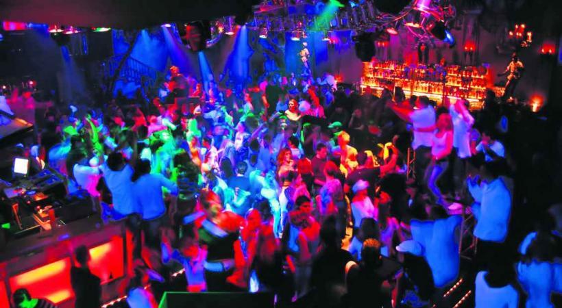 A Berne et Genève, on devrait pouvoir faire la fête plus longtemps qu'à Lausanne.