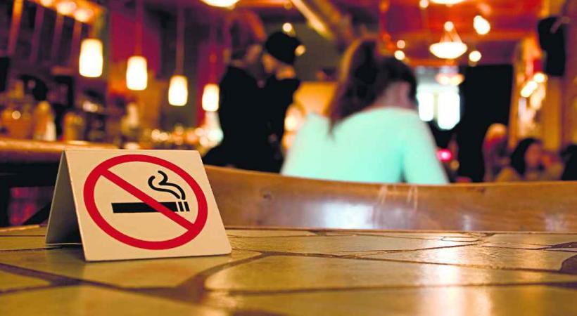 Beaucoup s'interrogent sur la nécessité d'une telle initiative alors que la Suisse s'est déjà dotée en 2010 d'une loi sur la fumée passive…