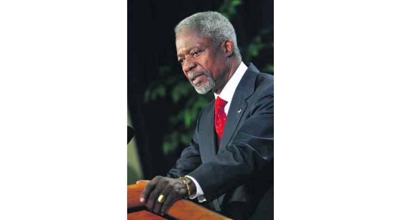 Depuis de nombreuses années, Kofi Annan met toute son énergie à promouvoir la paix.
