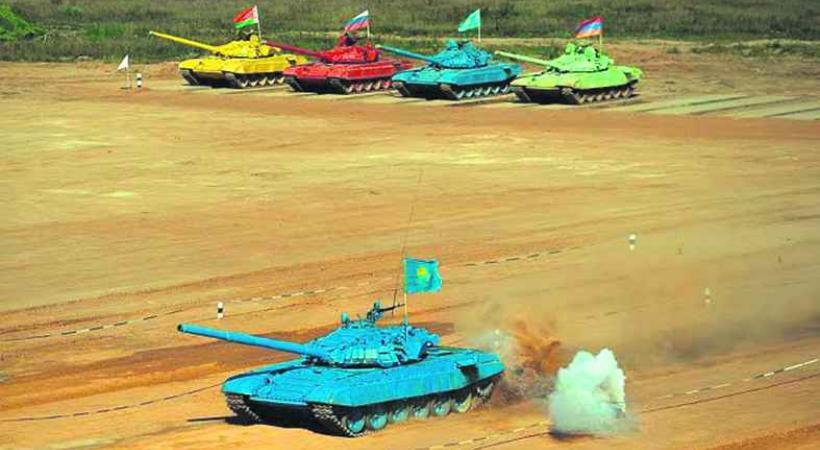 Un nouveau must «sportif»: le biathlon de chars!!!