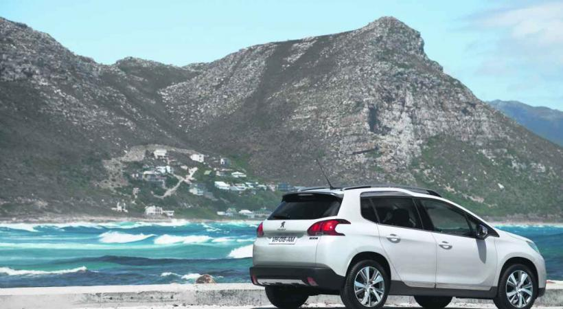 PEUGEOT 2008 • La mode, toujours la mode: les crossover compacts tiennent le haut du pavé, Peugeot l'a compris.